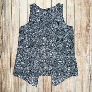 Express Split Back Tank black and white paisley